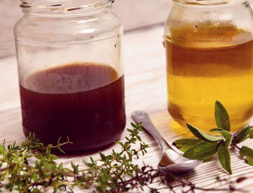 Veganer Hustensirup für Kinder und Kräuter die bei Erkältungen helfen